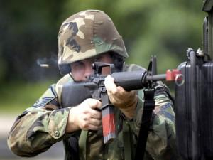 Postal: Prácticas militares
