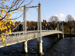 Postal: Puente sobre el agua