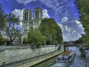 El río Sena y la Catedral de Notre Dame