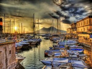 Postal: Barcos en el puerto del pueblo