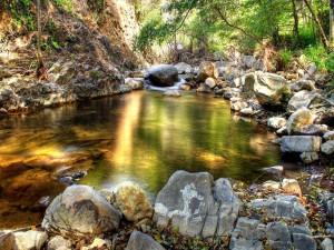 Postal: Piscina natural en el río