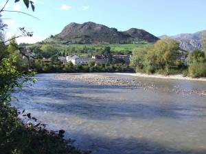 El río Sella a su paso por Arriondas (Asturias)