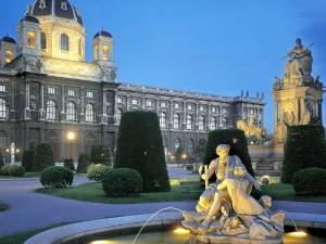 Estatuas en el Museo de Historia Natural de Viena