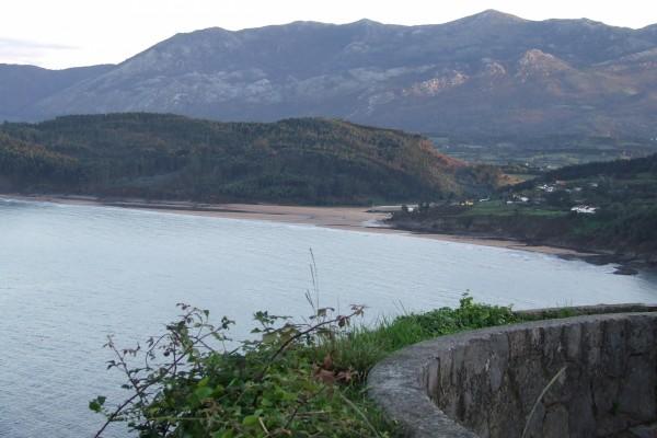 Vistas a la Playa de la Griega en Colunga (Asturias)