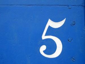 Postal: Número cinco