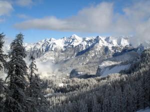 Postal: Nieve en las montañas y alrededores