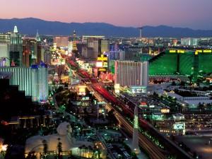 Postal: Anochece en la ciudad de Las Vegas