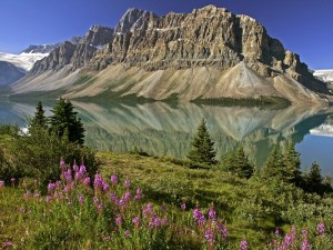 El lago Bow en Alberta, Canadá