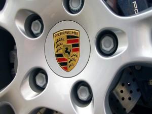 Postal: Rueda de un Porsche