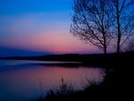 Oscurece en el lago