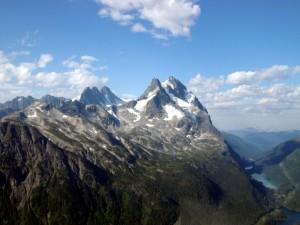 Los picos de las montañas