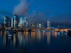 Postal: Noche en Vancouver