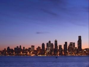 La ciudad al caer la noche