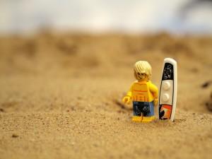 Postal: Lego surfer