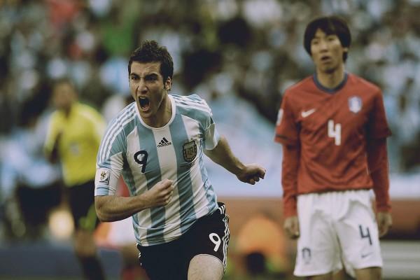 Gonzalo Higuaín (Argentina) marcó gol a Corea del Sur