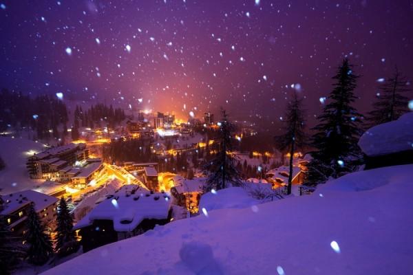 Copos de nieve sobre la ciudad