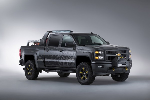 Chevrolet Silverado 2013 en color negro