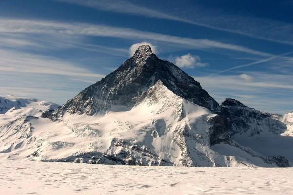 El Matterhorn, uno de los picos más altos de los Alpes Suizos