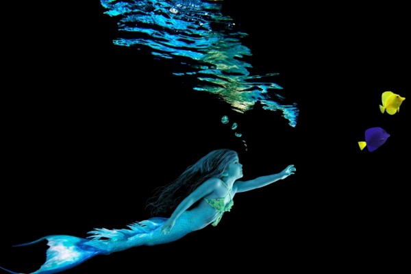 Sirena en el agua