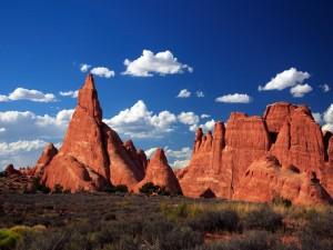 Postal: Rocas rojas en el desierto
