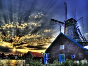 Molino de viento al amanecer