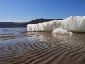 Cristales de hielo en la playa