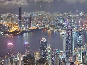 Postal: Noche en la ciudad de Hong Kong