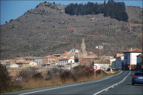 Carretera hacia Mués (Navarra, España)