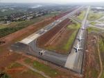 Aviones en la pista del aeropuerto