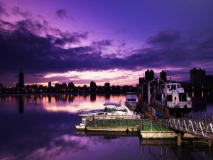 Barcos al caer la noche