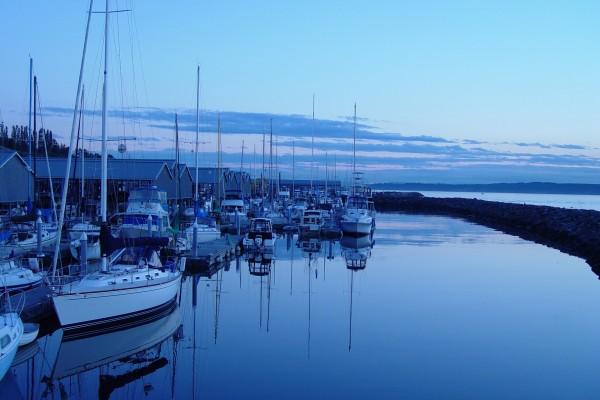 Barcos al amanecer
