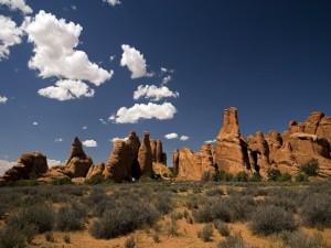 Postal: Rocas en el paisaje
