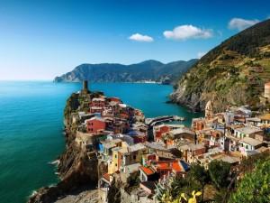 Postal: Casas cercanas al mar