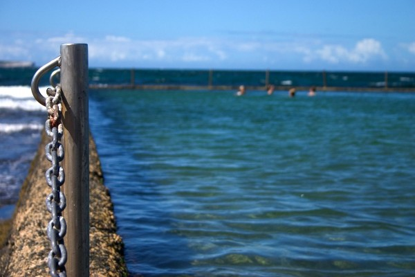 Piscina natural en el mar