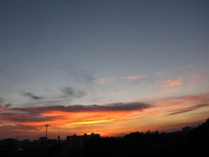 Postal: Dos colores en el cielo