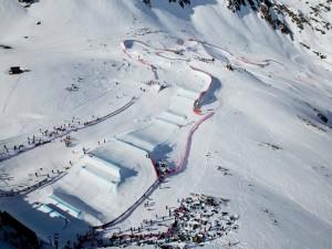 Postal: Vista aérea de una pista de esquí