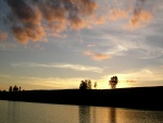 Anochece en el lago