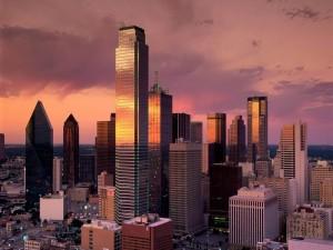 El atardecer reflejado en los rascacielos