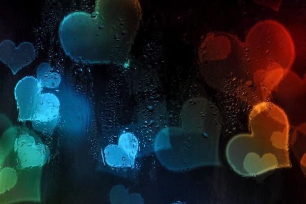 Corazones y lluvia