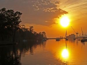 Postal: El sol en el puerto