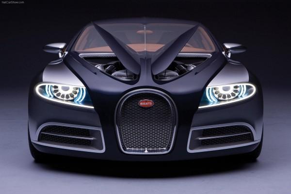 Bugatti con las luces encendidas