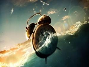 Postal: Reloj despertador en el mar