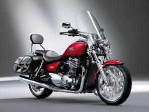 Postal: Moto Triumph Thunderbird
