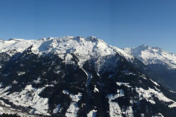 Vista de las montañas nevadas