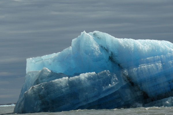 Iceberg azulado