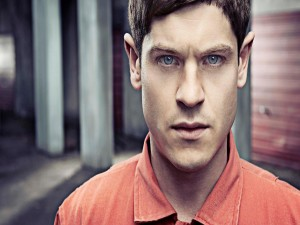 Postal: Simon Bellamy personaje en Misfits