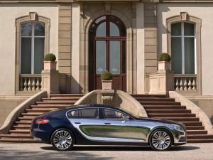 Bugatti Galibier junto a las escaleras