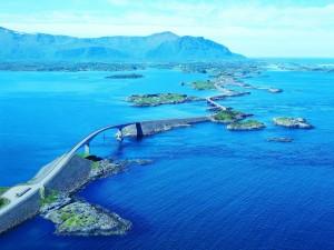 Vista de la carretera del Atlántico (Noruega)