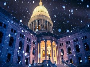 Postal: Copos de nieve en un edificio de Estados Unidos