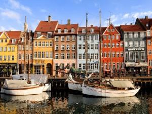 Barcos en el canal de Nyhavn (Copenhague)